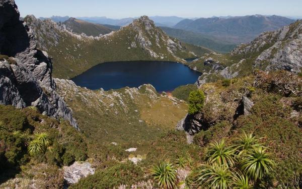 Western Arthur Range, Tasmanian Wilderness World Heritage Area. Photo: Grant Dixon
